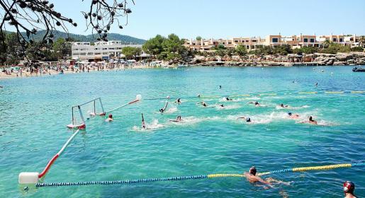 Este fin de semana la playa de Port des Torrent será el escenario natural que acogerá los partidos del beachpolo.