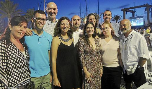 Miriam Bustillo, Eugenio Torre, Honorio Arribas, Nieves Díaz, Oscar Fidalgo, Yolanda Ferrer, Eva Albarrán, Marta Aguayo, Toni Cortés y James Bond.