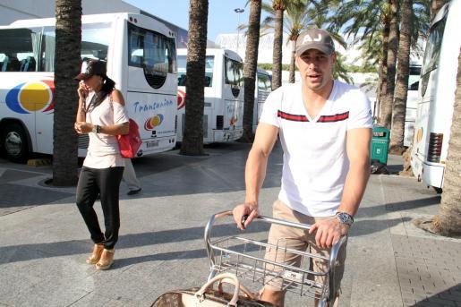 El portero Pepe Reina, a su llegada a Mallorca.