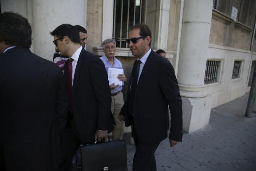 César Vicente Sánchez, a su llegada a los juzgados.