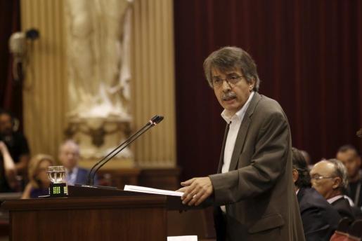 Xavier Pericay en el Parlament.