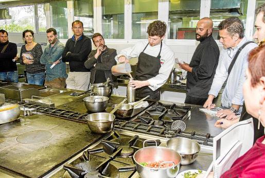 Imagen de archivo de un curso de cocina.