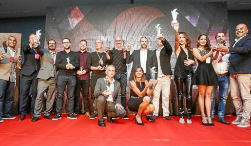La gala de premios concluyó con una gran foto de familia de todos los galardonados.