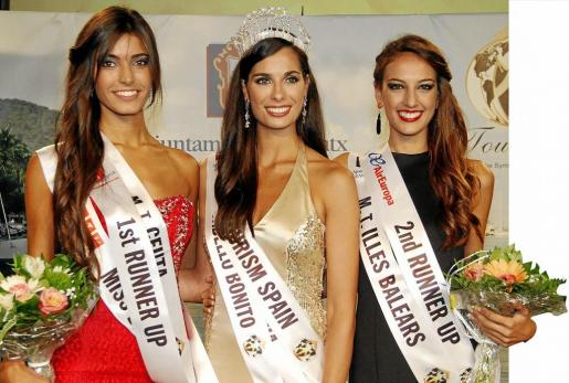Ana Luis Gutiérrez (Ceuta), segunda clasificada, Paula Chinchilla, Miss Tourism Spain 2015 y Eva Pons (Balears), tercera.