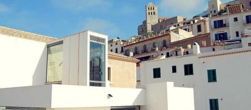 El MACE está ubicado en Dalt Vila, en un entorno privilegiado.