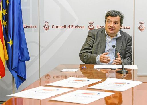 Roberto Pereyra, presidente de AEMA, en la presentación del XI Salón de Automoción de Ibiza y Formentera.