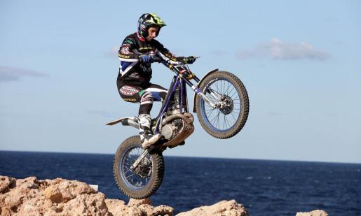 EIVISSA. TRIAL DOS DÍAS DE TRIAL ISLA DE IBIZA. El XXII Dos Días de Trial isla de Ibiza. Albert Cabestany, el mejor ayer en el nivel negro, finalizó terceroen la clasificación final. Fotos: DANIEL ESPINOSA