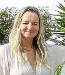 Rachel Parsons, lleva 32 años practicando budismo y supo encontrar la manera de transmitirlo entre los ibicencos. Foto: ARGUIÑE ESCANDÓN