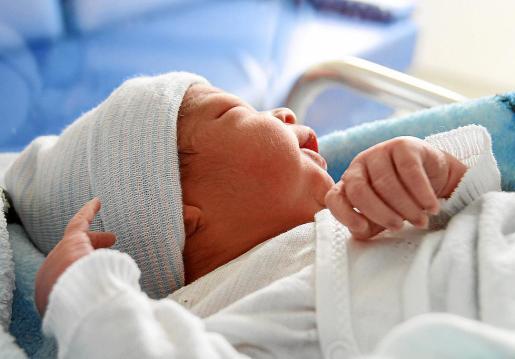El coordinador del 061, Ángel Crespo, fue quien asistió en el parto a la madre de Emran