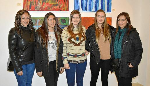 Paola Barrufaldi, Lara d'Angelo, Àngels Alaminos, Anna Alaminos y Ana María Fernández.