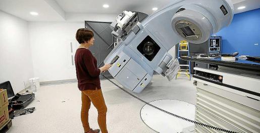 La concesionaria del servicio de radioterapia confirma que los tratamientos a pacientes pitiusos en el hospital Can Misses comenzarán este mes de diciembre.