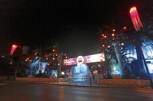 La nueva decoración exterior de Pachá Ibiza para las fiestas navideñas.