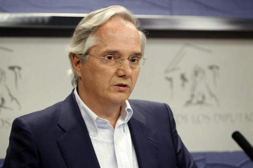 El diputado Pedro Gómez de la Serna.