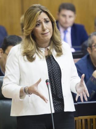 La presidenta de la Junta de Andalucía, Susana Díaz, en una de sus intervenciones en la sesión de control al ejecutivo en el Parlamento de Andalucía.