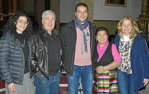 Antònia Plomer, Jaume Martorell, Tomeu Cifre, Ringzing Doma y Joana Estades.