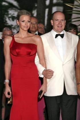 La boda monegasca se adelantará unos días por los compromisos del príncipe Alberto.