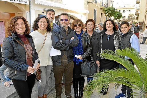 Cati Mudoy, Maria Bonnín, Toni Rocamir, Esteve Morro, Francisca Rotger, Samanta Perelló, Xisca Garcies y Toni Cuesta.
