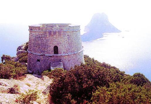 La Torre des Savinar, muy cerca de Cala d'Hort.