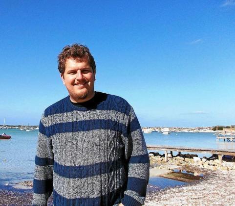 Ben Clark ha conseguido que la editorial Sloper traiga su libro a España tras editarlo en México en 2013. Pero la edición española es una versión mejorada y revisada de nuevo por el autor, donde trata el tema del amor desde diferentes puntos de vista.
