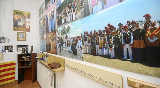 La nueva sede, en el antiguo colegio Sa Bodega de Vila, es casi un museo dedicado a la Colla de Vila. Foto: TONI ESCOBAR