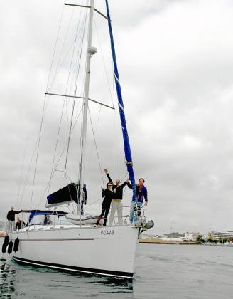 Los miembros de la tripulación salieron ayer por la mañana del Club Náutico de Ibiza.