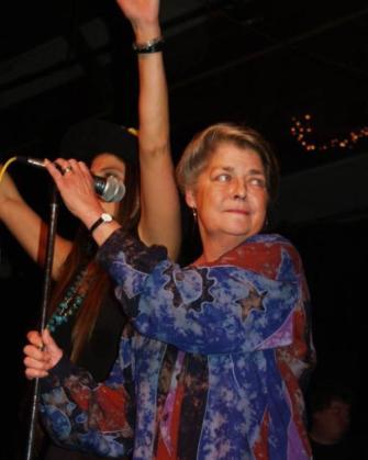 La cantante de Folk Signe Toly Anderson en una de sus actuaciones.