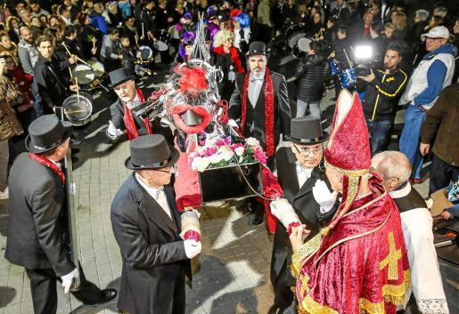 El entierro de la sardina, una cita ineludible en el calendario de Carnaval.