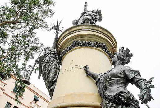Imagen del monumento dedicado al general.