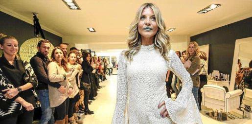 La reinauguración contó con un desfile de moda y peluquería. Foto: ARGUIÑE ESCANDÓN