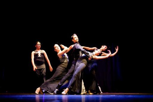 Los alumnos que compiten estos días en la final de danza española han preparado su actuación durante mucho tiempo.