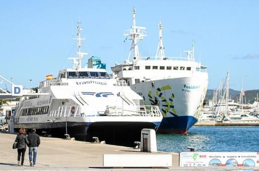 El servicio marítimo entre las Pitiüses está ubicado en el muelle de Ribera y está previsto que vaya a muelles comerciales.