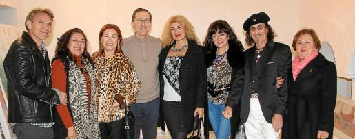 Teo Martín, Mónica Motta, Encarna Iriarte, Tito López, Sedi Behvarrad, María Rosa Salinas, Jandro Gómez y Bárbara Bennássar.