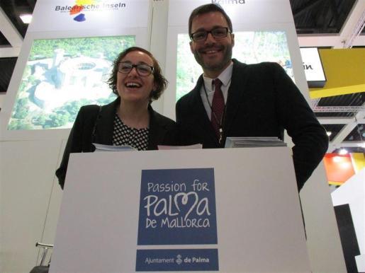 El alcalde de Palma, José Hila, ha presentado este miércoles a la capital balear en la ITB de Berlín como un destino de deporte y naturaleza, acompañado de la regidora de Turismo, Comerç i Treball, Joana Maria Adrover.