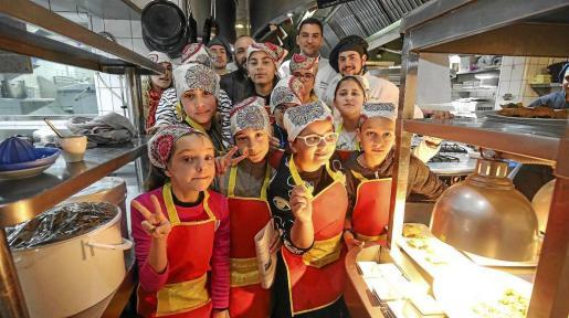 Arranca en Sant Antoni la tercera edición del concurso gastronómico Mini Chef. Foto: ARGUIÑE ESCANDÓN