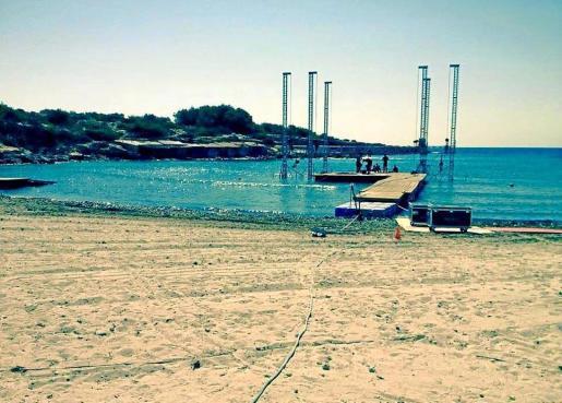 Imagen de la fiesta celebrada el año pasado en la playa de S'Estanyol de Santa Eulària.