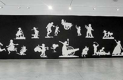 Sobre estas líneas el mural que sirvió de inspiración a los pequeños artistas. Foto: D. E.