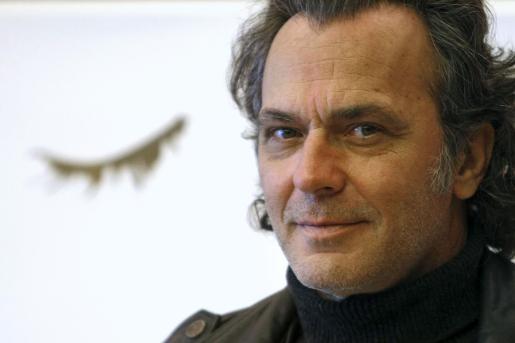 El actor está pasando unos días en Tenerife con sus hijos y la actriz Lydia Bosch.