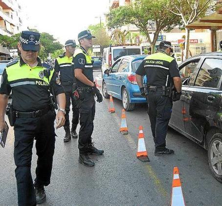 Agentes de la Policía Local de Eivissa.