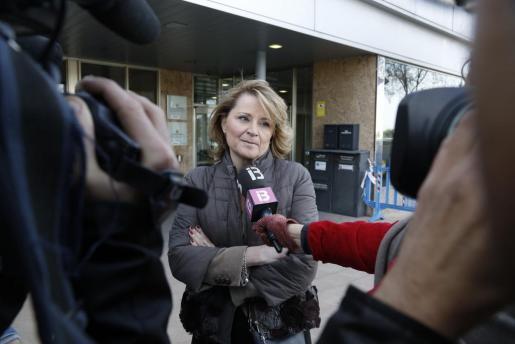 Rosa Estaràs, a su llegada al edificio de la EBAP para declarar como testigo del caso Nóos.