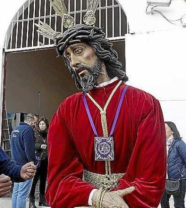 La imagen de Nuestro Padre Jesús Cautivo a las puertas del Centro Penitenciario de Eivissa. Foto: D. E.