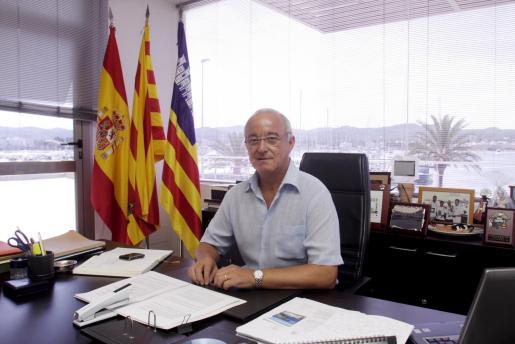 El alcalde José Sala Torres, en su despacho del Ayuntamiento de Sant Antoni durante el desarrollo de esta entrevista.