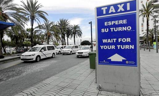 Imagen de la parada de taxis del Passeig de ses Fonts de Sant Antoni.