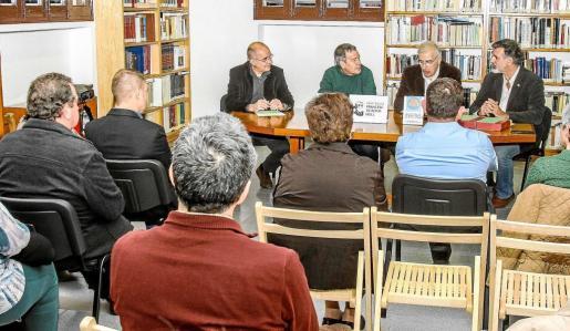 Presentación de la Institución Francesc B. Moll en la sede del Institut d'Estudis Eivissencs. Foto: TONI ESCOBAR
