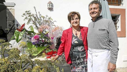 Victoria Marí y Francis Weideman emprendieron su aventura empresarial de Can Cires hace diez años. Foto: ARGUIÑE ESCANDÓN
