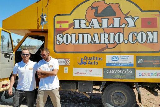 Jordi Freixedas (izquierda) durante el recorrido desarrollado en el Rally Solidario. Foto: JORDI FREIXEDAS / RALLY SOLIDARIO