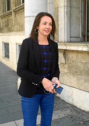Rosa Puig, este miércoles en las puertas de los juzgados.