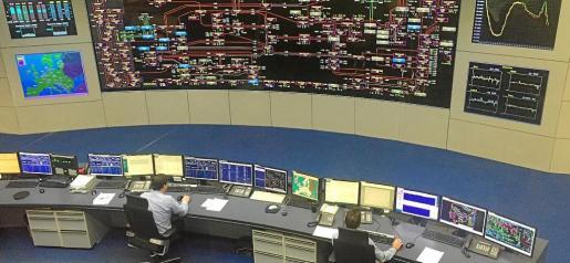 Desde el Centro de control eléctrico supervisan el consumo de energía a tiempo real en la Península.