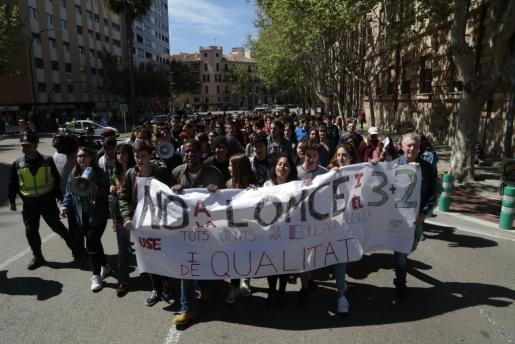 Més de 6.000 alumnos de Balears han pedido este jueves la derogación de la LOMCE y el decreto del 3+2.