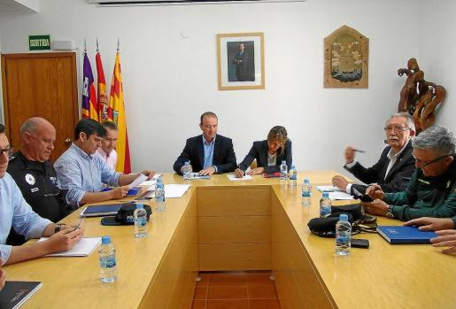 La Junta de Seguridad de Formentera en la reunión que se celebró ayer en la sede del Consell Insular