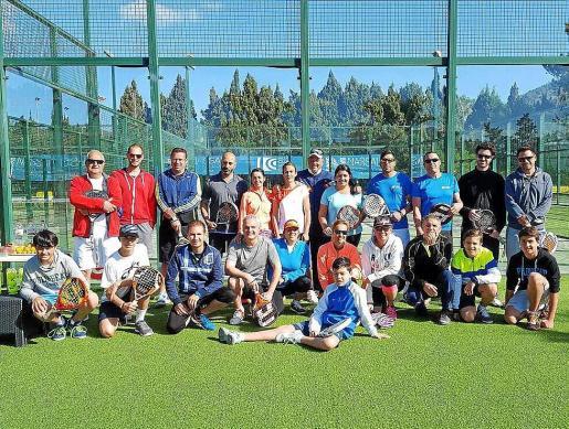 Algunos de los participantes del torneo celebrado en el Ibiza Club de Campo.
